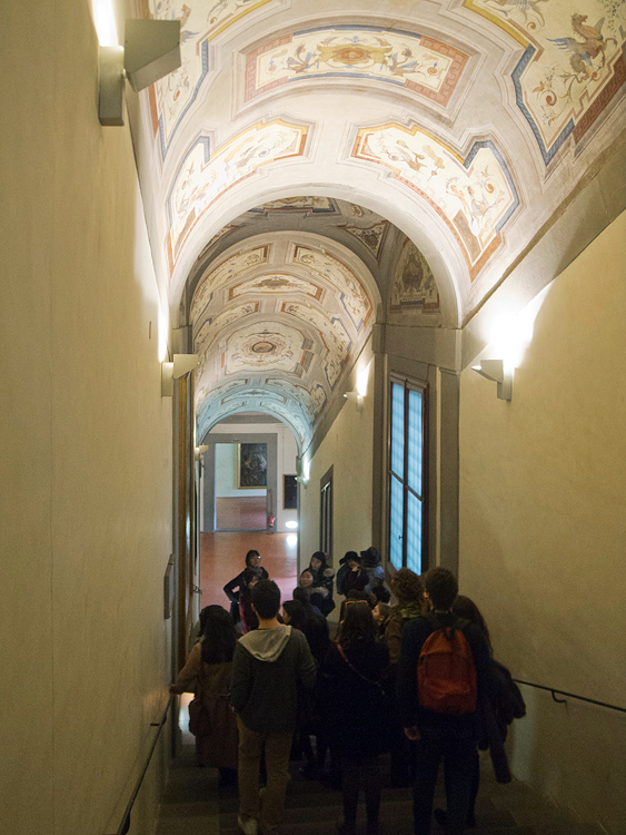 Inside the Vasari's corridor. -